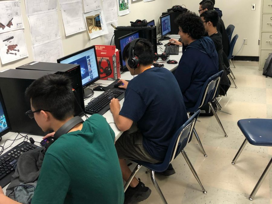E-sports+team+members+practice+after+school+for+the+upcoming+competition.++This+is+the+first+year+for+the+teams+at+SHS+as+well+as+all+of+the+GISD+high+schools.