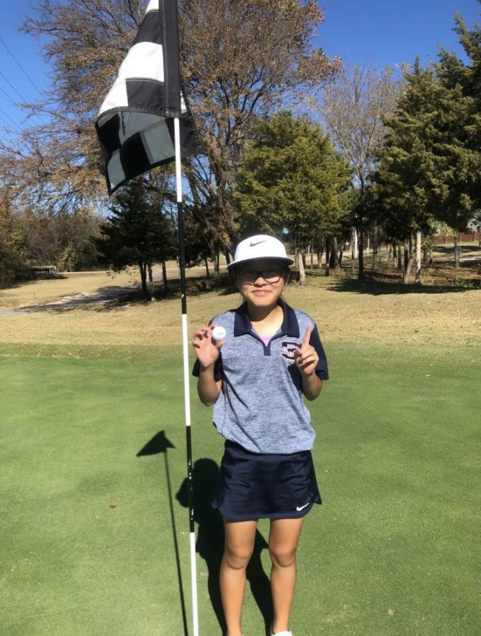Freshman+Brook+Ahn+hit+a+hole-in-one.